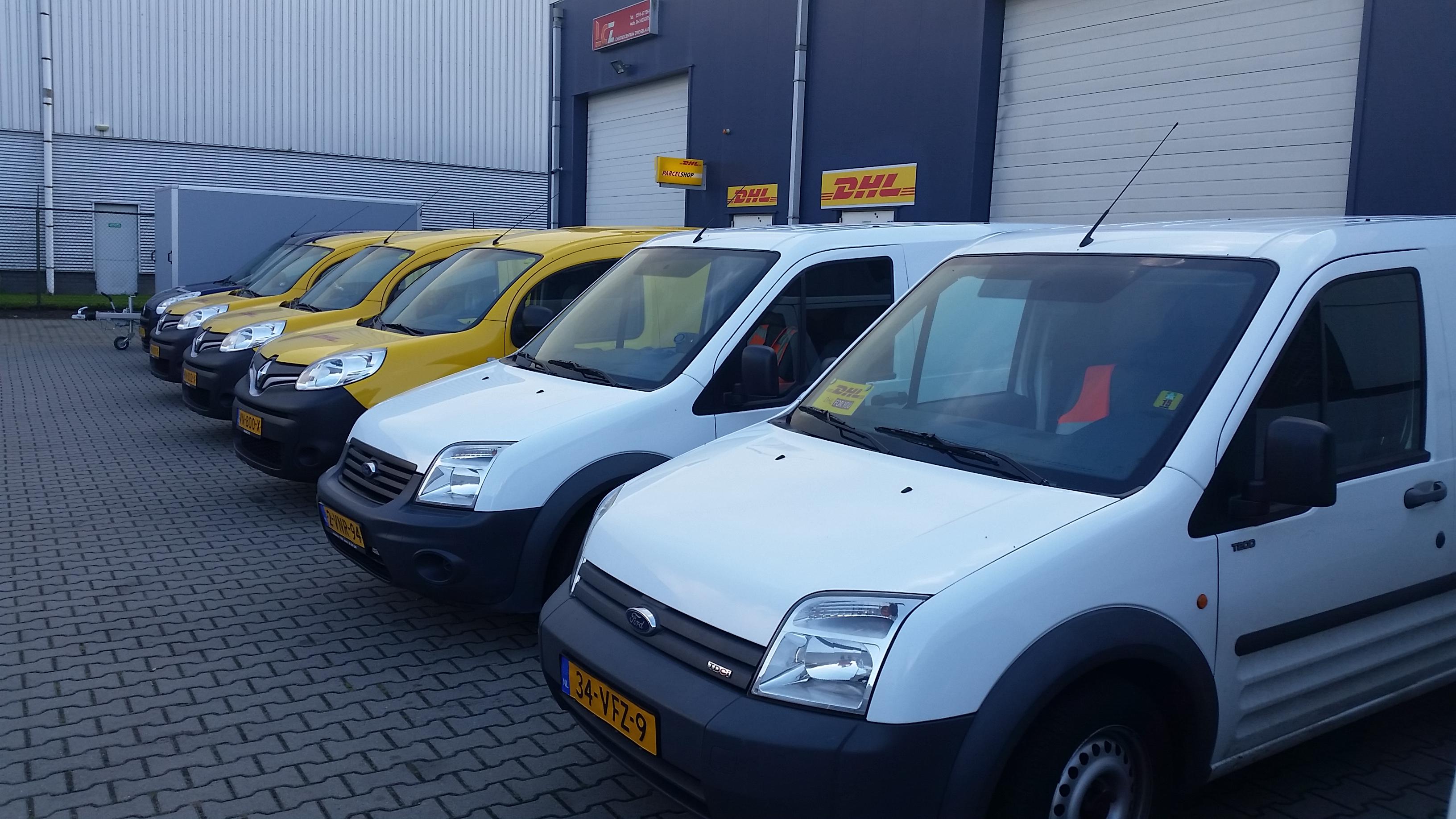 http://logistiekcentrumzwiggelaar.nl/wp-content/uploads/2016/10/koeriersauto-logistiek-centrum-zwiggelaar.jpg